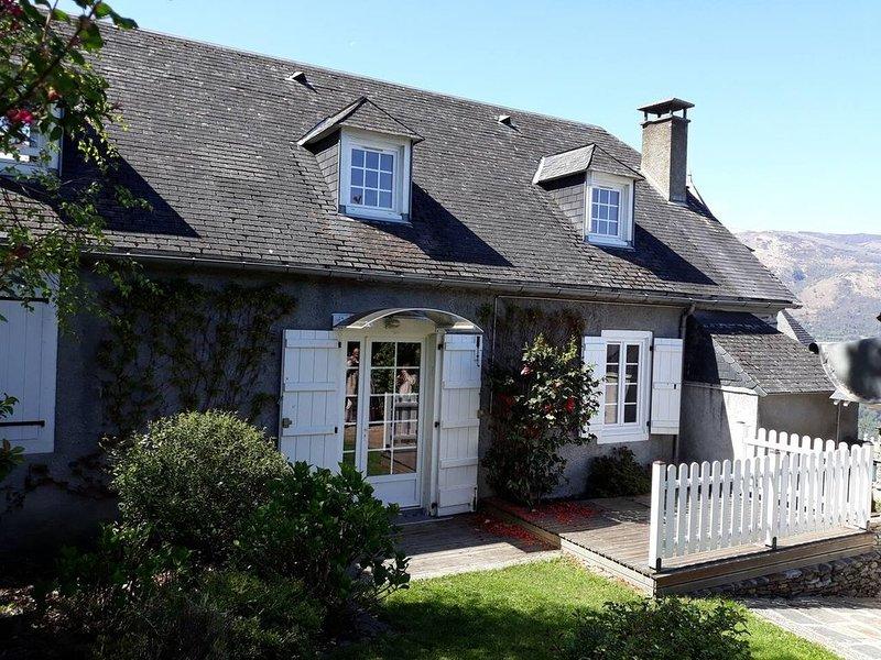Maison Hautes-Pyrénées / 15 mn Lourdes 30 mn Cauterets Gavarnie,, location de vacances à Ayros-Arbouix