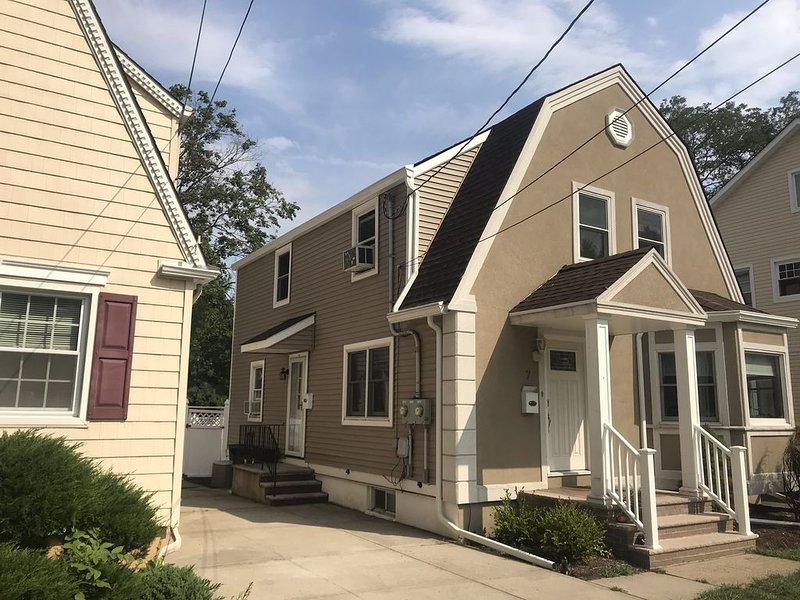 Quiet home near downtown West Orange, vacation rental in Parsippany