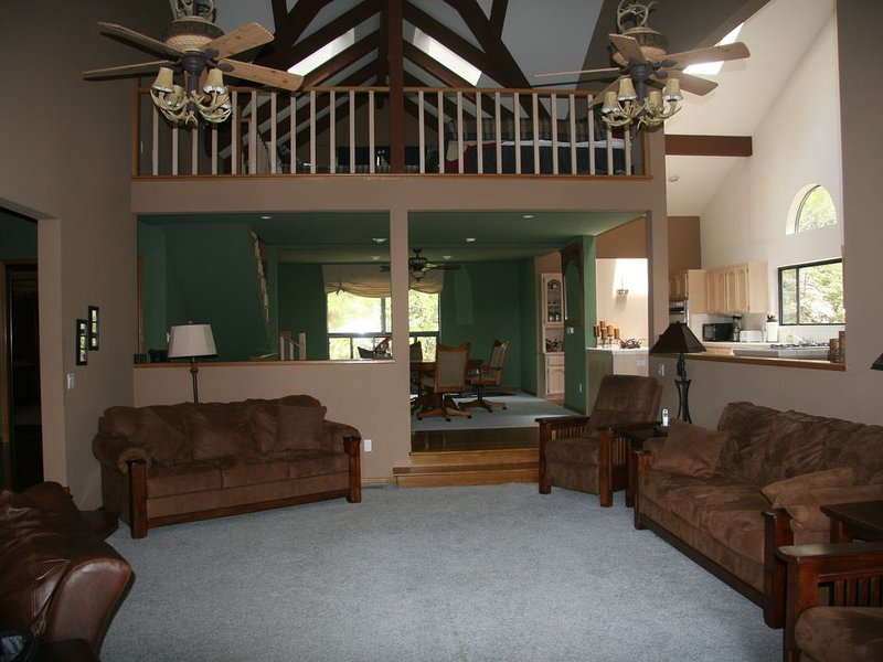 Spacious Family Mountain Home, holiday rental in Bodfish