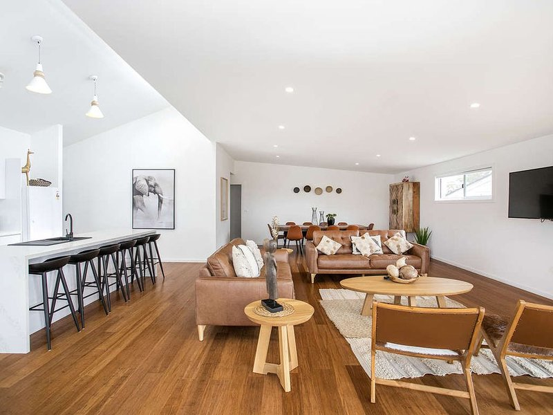 Fantastic location,completely renovated, immaculately presented with incredible, vacation rental in Ulladulla