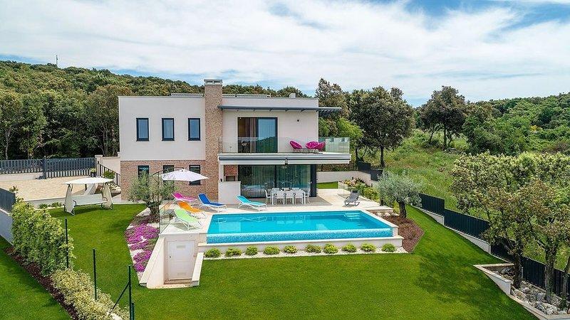 Lussuosa villa a Orsera, a soli 500 m dalla spiaggia, holiday rental in Vrsar