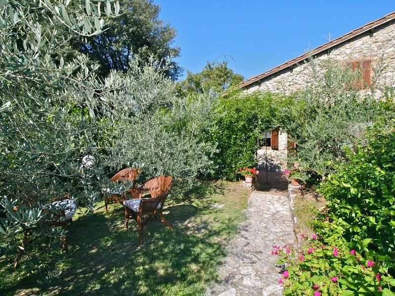 VILLETTA CAPANNA - Two Bedroom Villa, Sleeps 4, holiday rental in Pievescola