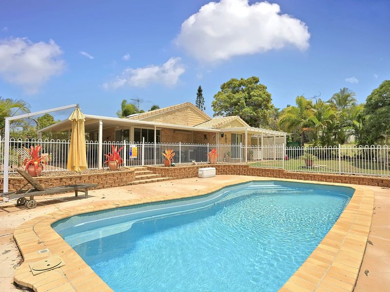 Hook Wine and Sinker Hervey Bay, holiday rental in Point Vernon