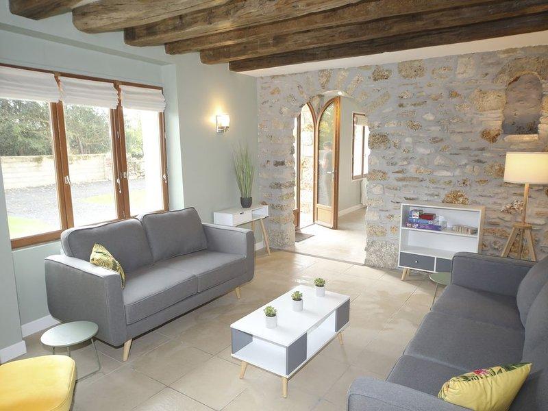 Belle maison à partager entre amis ou en famille, holiday rental in Villeneuve-sur-Bellot