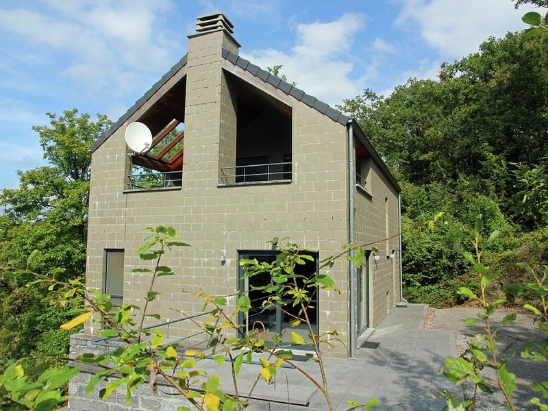 Modern Holiday Home near Forest in Durbuy, casa vacanza a Heyd