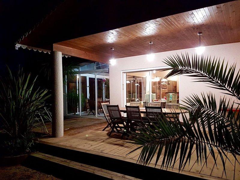Villa de standing, quartier du phare,  Jacuzzi privatif, proche plages, holiday rental in Lege-Cap-Ferret