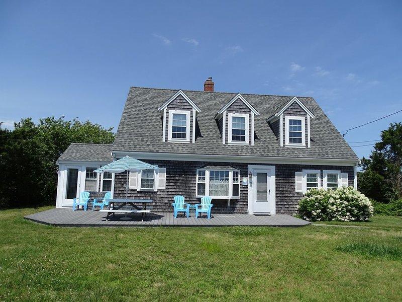Craigville Beach Home ~ Create Memories to Last a Lifetime!, location de vacances à West Hyannisport