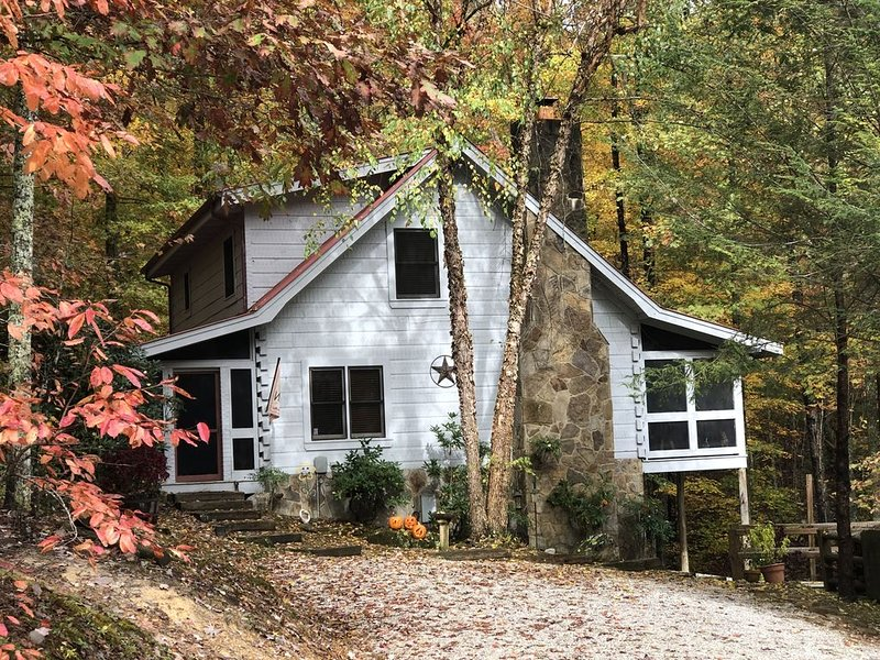 Luxury cabin in the Big South Fork Wilderness Resort – semesterbostad i Huntsville