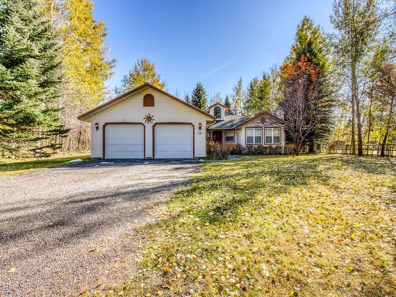 Family-friendly home w/gas grill & patio-close to Ketchum & Sun Valley!, vacation rental in Hailey