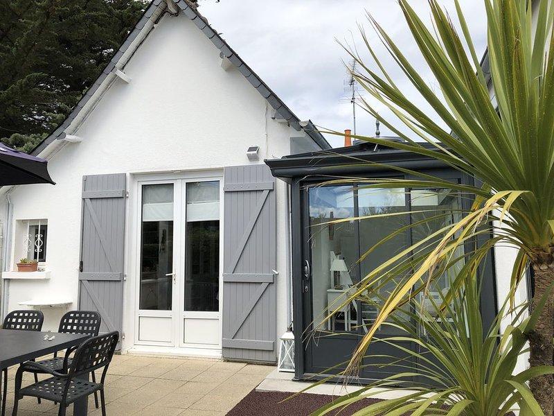 Maison avec jardin proche de la plage de Caroual et du centre., vacation rental in Erquy