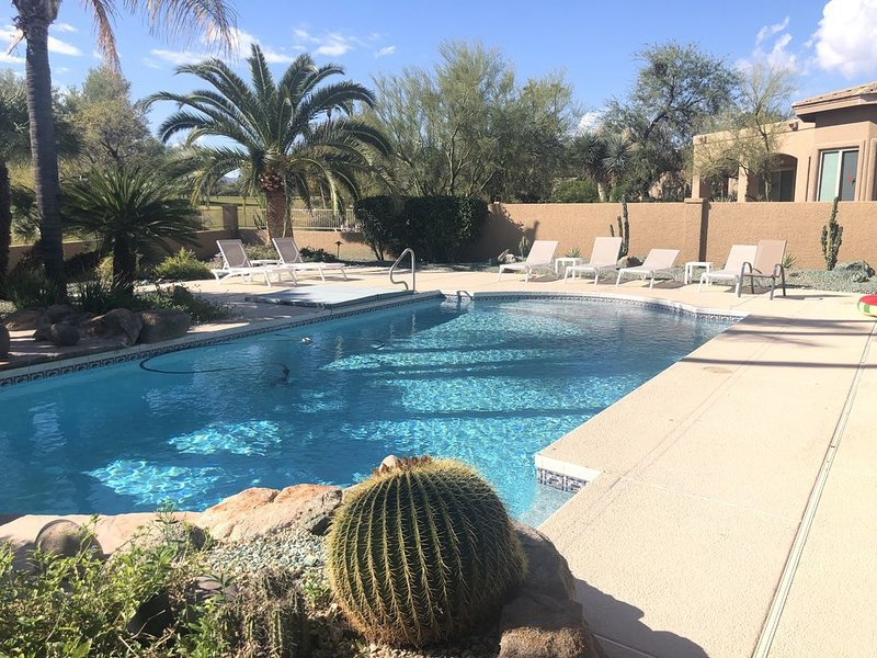 Desert Oasis on Rio Verde Golf Course with Pool, Completely remodeled in 2019, aluguéis de temporada em Rio Verde