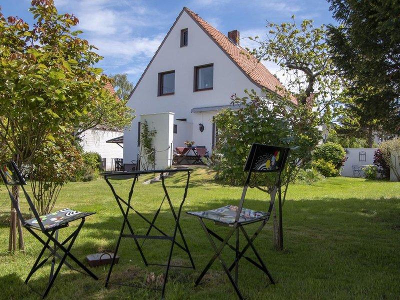 Haus Frey - Liebevoll mit Antiquitäten eingerichtetes Ferienhaus mit Garten in S, location de vacances à Wanna