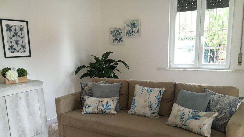 Lakeside apartment in Lucrino,Pozzuoli, vakantiewoning in Varcaturo