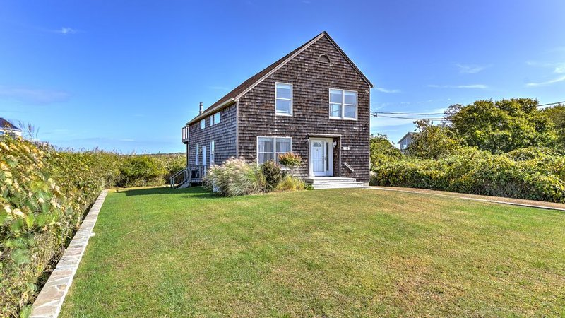 New Listing: Lake Montauk Views, Easy Access to Swimming, Boating and Sailing, location de vacances à Montauk