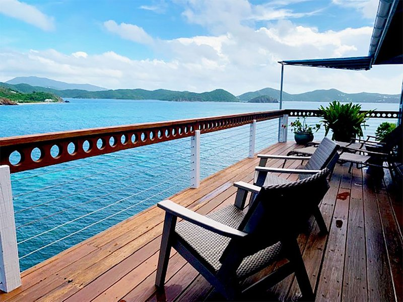 Waterfront Simple Luxury in Coral Bay with Endless Blue Views from Every Room, vacation rental in St. John