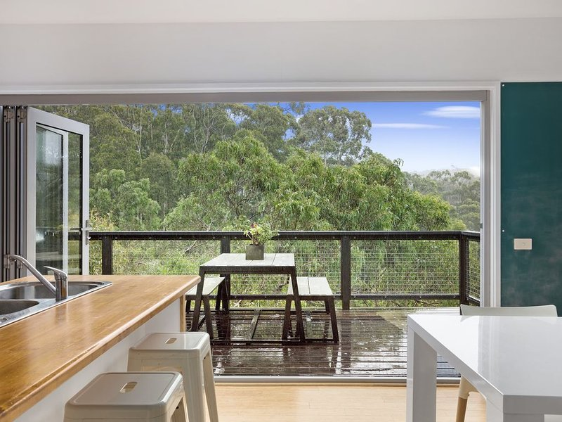 Calming Family Clissold Home, vacation rental in Kennett River