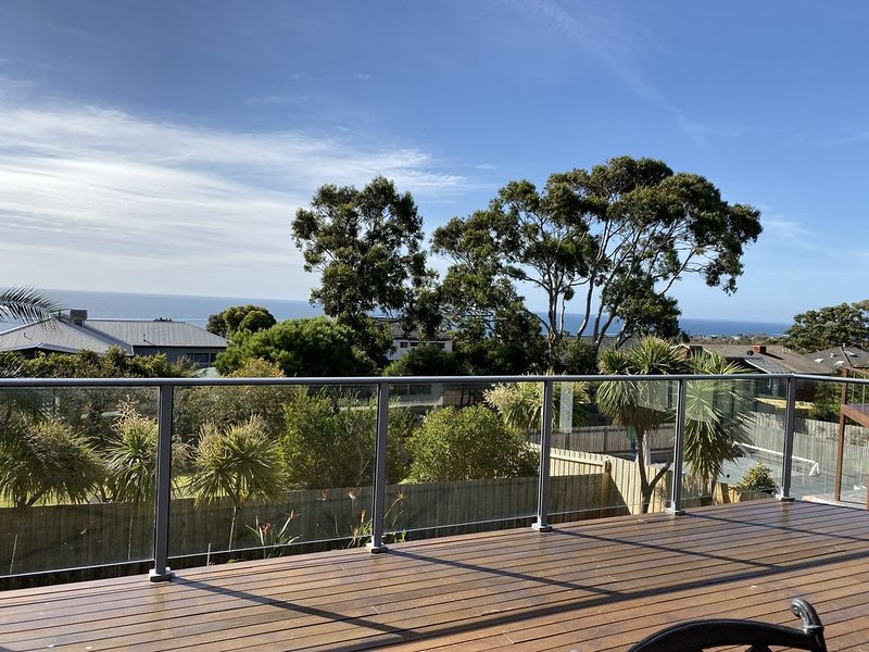 A spacious house with stunning views, holiday rental in Mt Martha