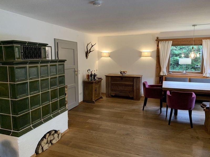 NEU: Traumhaftes Ferienhaus direkt am Tegernsee, alquiler de vacaciones en Bad Heilbrunn