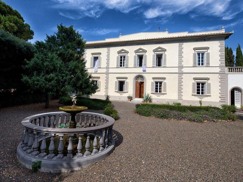 Historische Villa für 12 Pers. in der Toskana, 1 km zum Meer mit Pool und Park, holiday rental in Rosignano Solvay