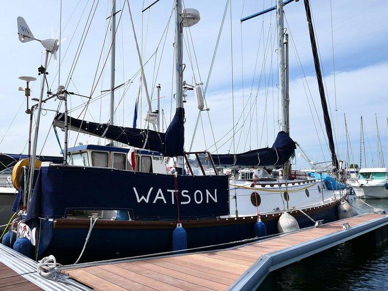 Bateau Watson, aventure et tranquillité, location de vacances à Biéville-Beuville