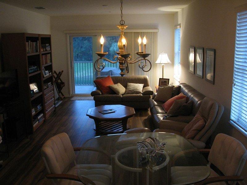 Sun-drenched Corner Condominium In Canopy Walk - Great Florida Retreat, holiday rental in Palm Coast