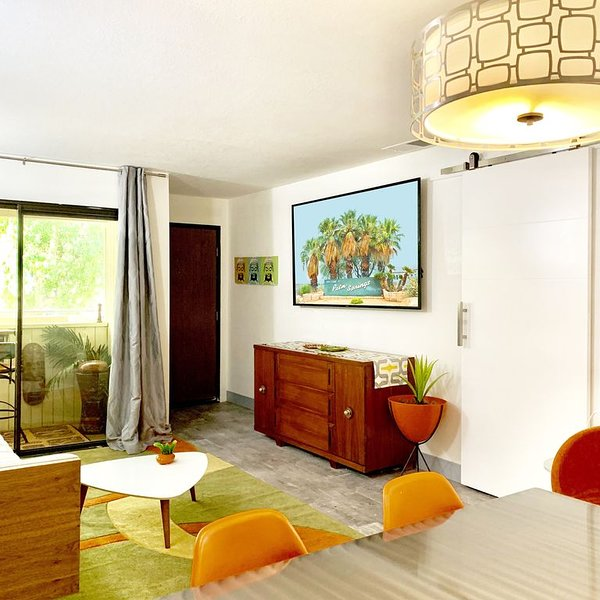 Save $20/ day in Dec-Jan, Sleep 4, Modern Condo w/ Trees & Mountain Views, vacation rental in North Palm Springs