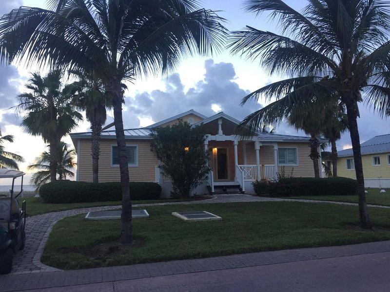 Bimini Bay Resort and Marina/Oceanfront Luxury 4 bedroom Villa, alquiler de vacaciones en Bimini