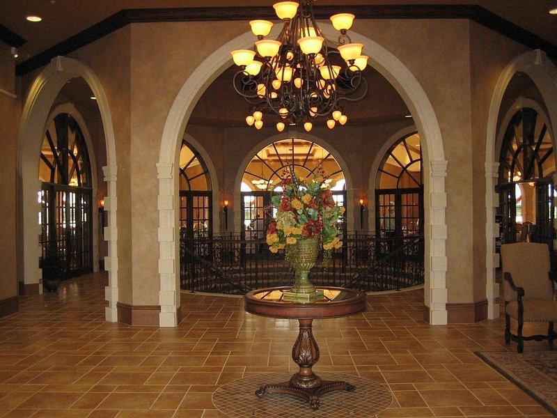 Beautiful 2 BR/2 BA 2nd floor condo (Sleeps 6), vacation rental in Golden Gate