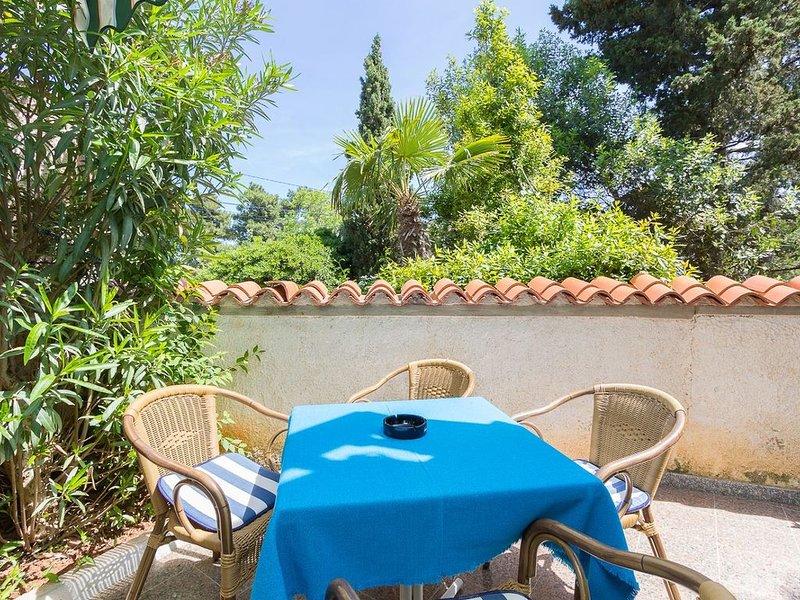 Ferienappartement in Medulin mit Außenpool, Schlafzimmer, Bad, Klima und einem G, location de vacances à Medulin