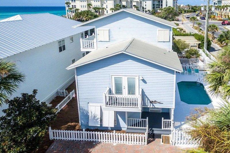 30A Beach Cottage - Gated, Private Beach, Heated Pool & Free Bikes/Beach Gear!, holiday rental in Santa Rosa Beach