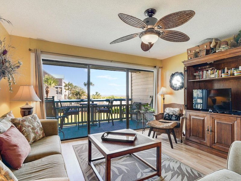 Beautiful Condo with Ocean View, holiday rental in Harbor Island