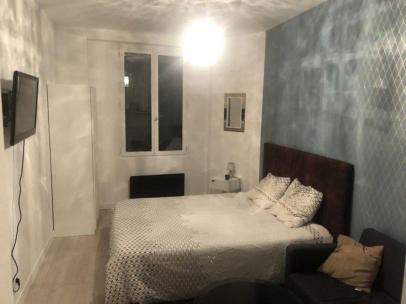 Studio 25m2 proximité de Paris 20e, aluguéis de temporada em Bagnolet