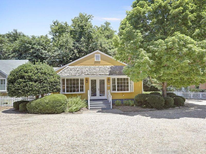 Cottage in Historic Yorktown (dba Yorktown Cottages), aluguéis de temporada em Schley