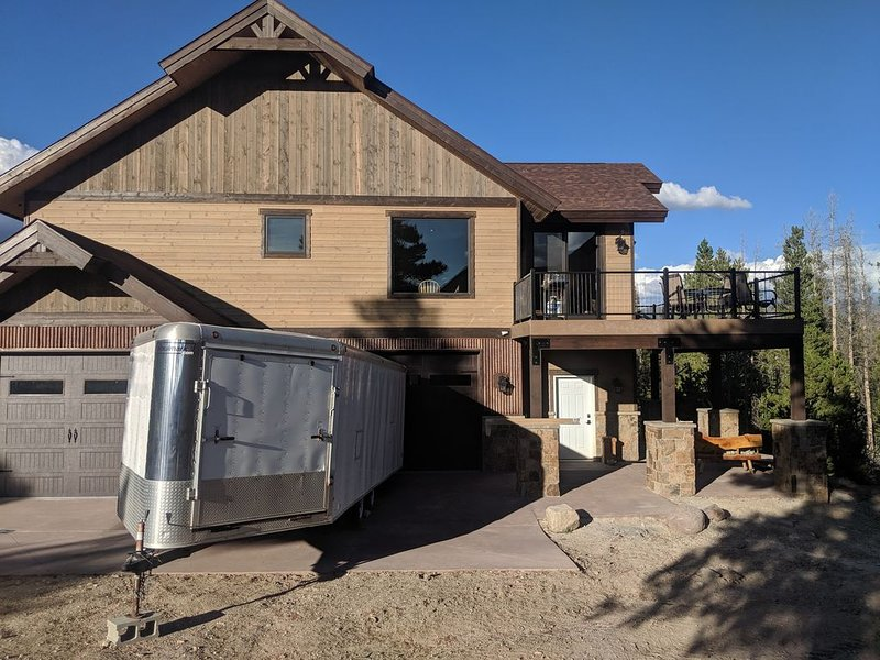 Mountain Lakefront Cabin, holiday rental in Granby