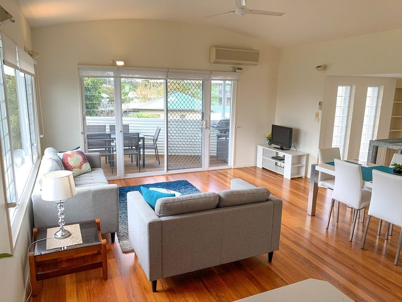 RIVERVIEW BEACH HOUSE, holiday rental in Comboyne