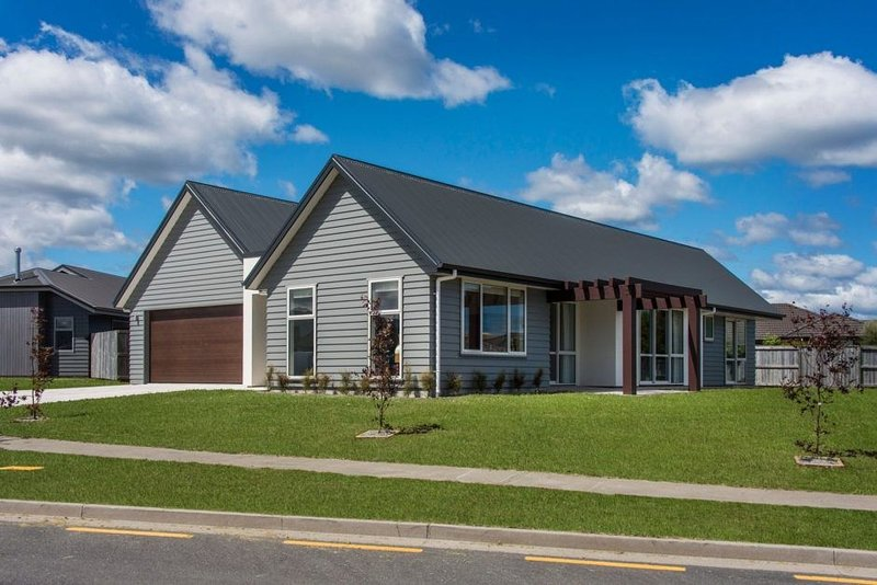 Victory Drive - Modern home with stunning furnishings & WiFi, holiday rental in Taupo