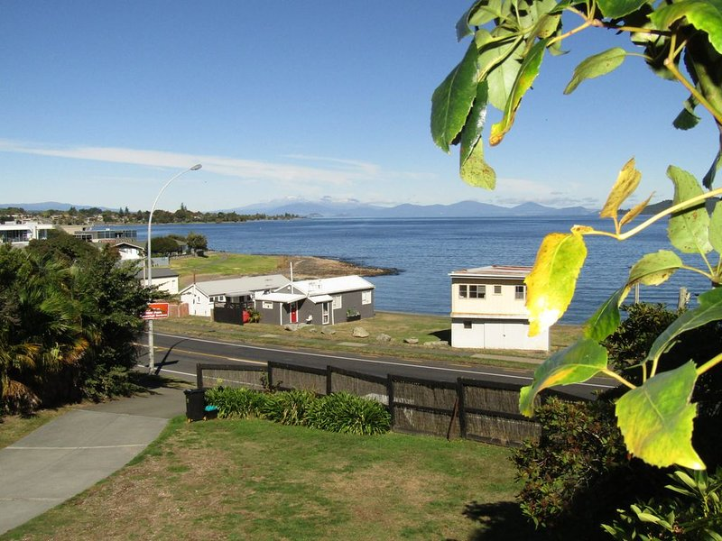 Lake Terrace Hun - Large bach,  central location and very close to the Lake, holiday rental in Taupo