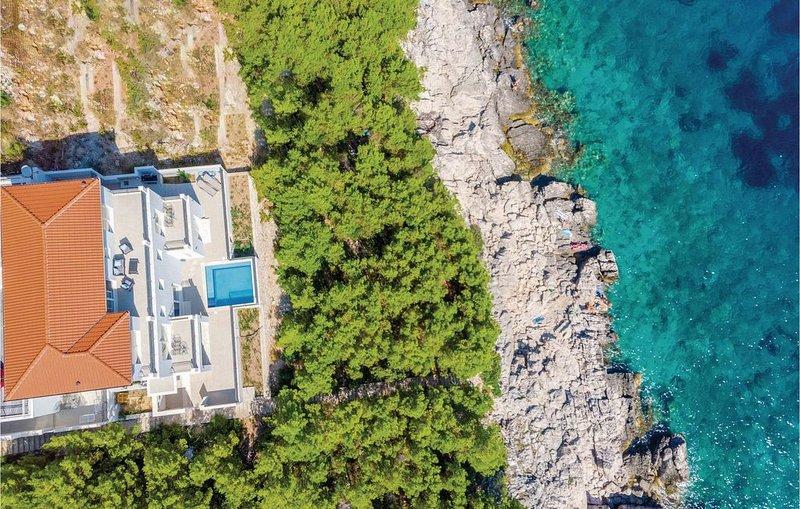 5 Zimmer Unterkunft in Smokvica, holiday rental in Smokvica