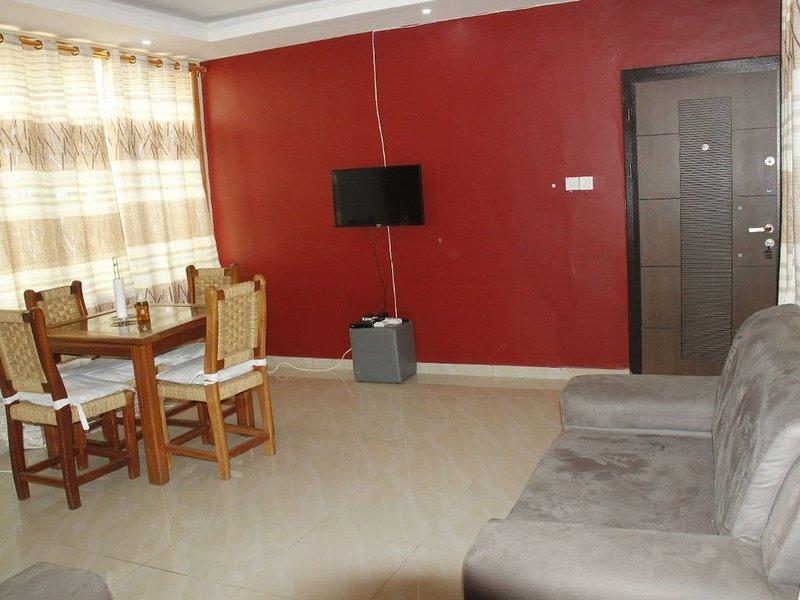 TWO BEDROOM FLAT APARTMENT, Ferienwohnung in Oyarifa