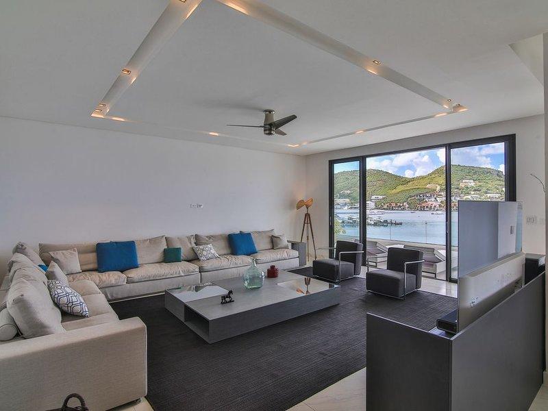 Splendide appartement de 309m², vue imprenable sur le lagon de Simpson Bay, holiday rental in Cole Bay