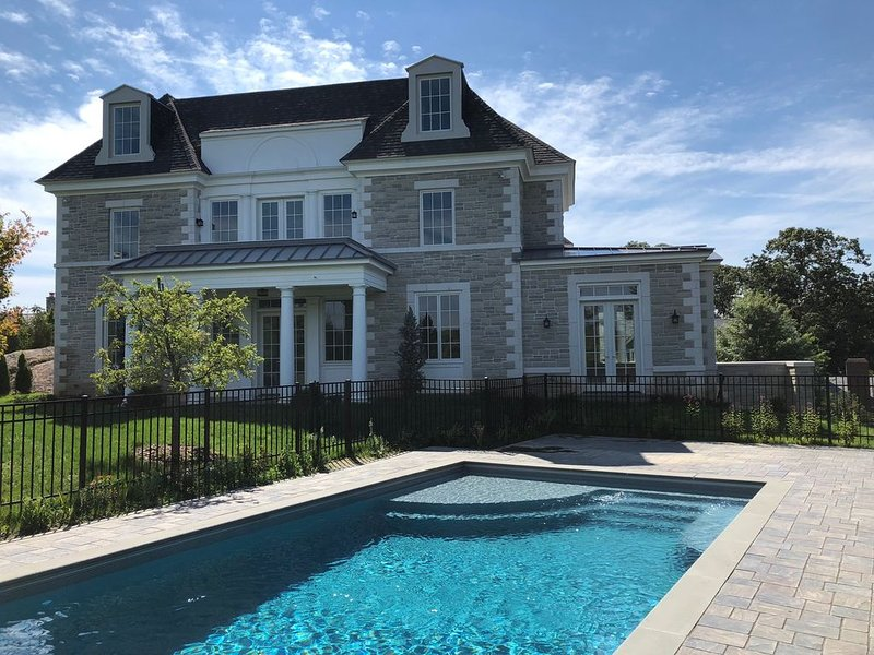 Luxury Mansion - Classic Country Home in NYC -  12 miles from Midtown Manhattan, alquiler vacacional en Dobbs Ferry