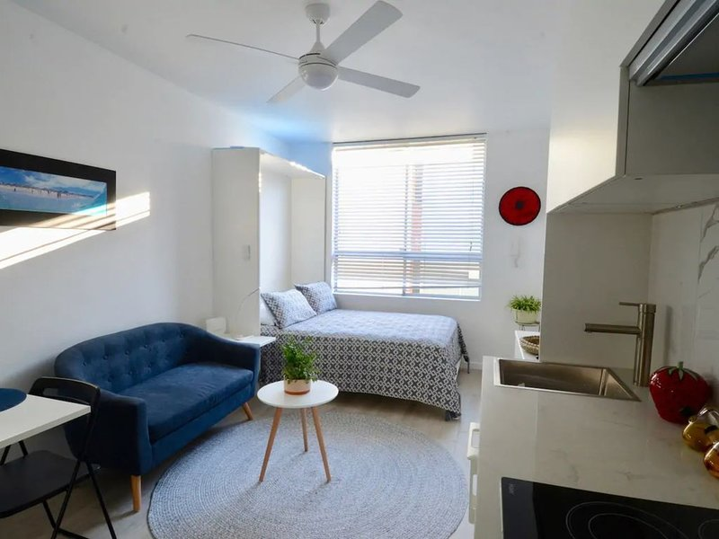 Cute Studio Apartment in Maroubra, holiday rental in Maroubra