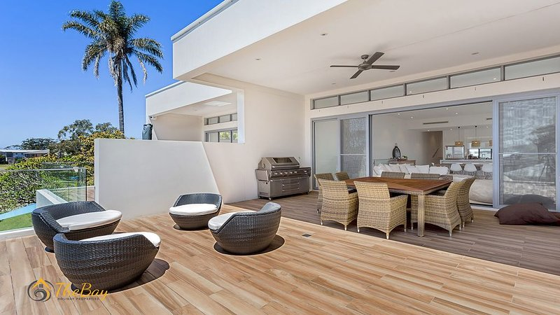 Style, Sophistication, Elegance and Luxury in Soldiers Point, vacation rental in Salt Ash