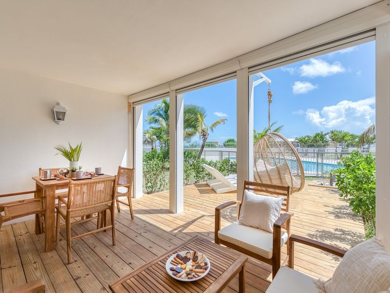 Six View - Beach Front Appartement, vacation rental in Saint-Martin