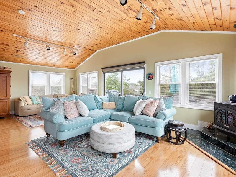 Kismet, Bay Views, AC, Luxury, Book for 2021, vacation rental in Fire Island