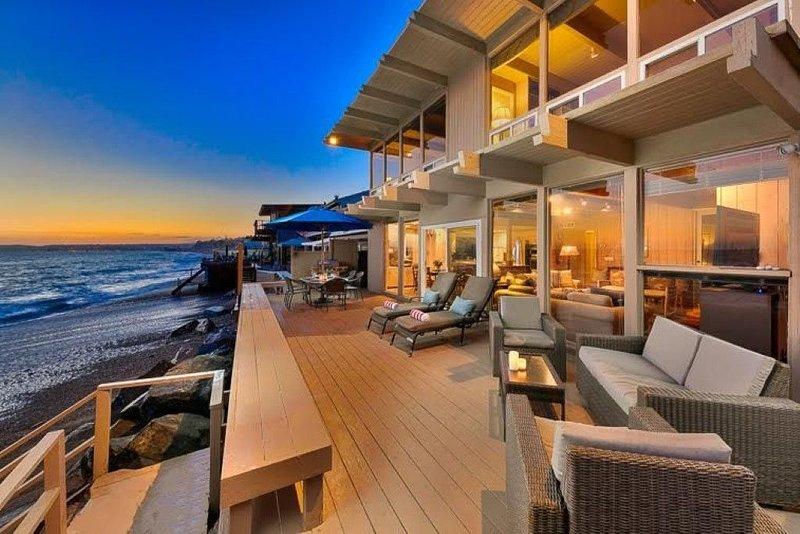 Exceptional beach / ocean front home, aluguéis de temporada em Dana Point