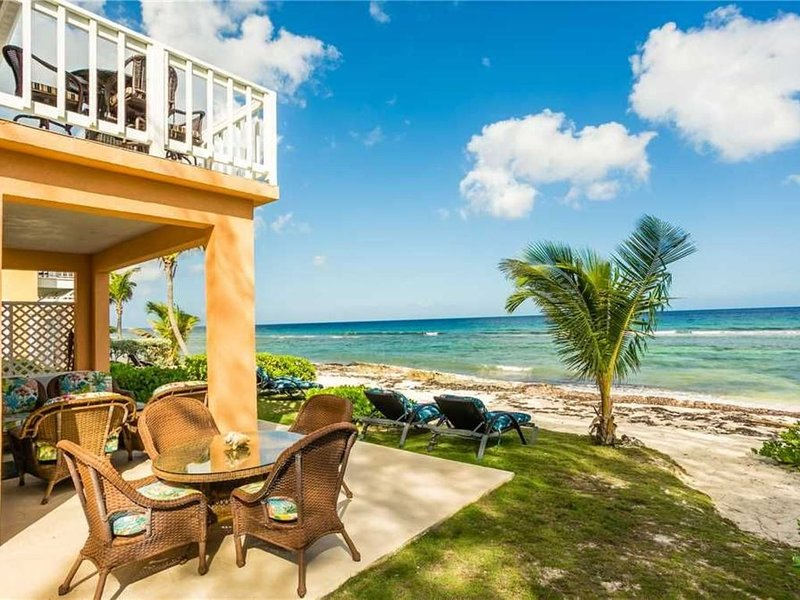 Mahogany Point 5: 3 BR / 3 BA villa in North Side, Sleeps 6, holiday rental in North Side