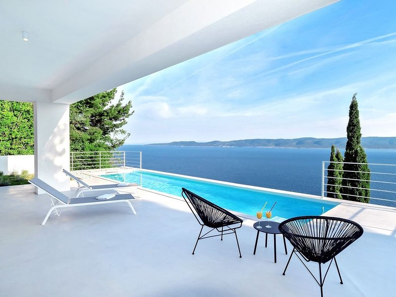 Villa V - private pool, special location & surroundings, holiday rental in Mimice