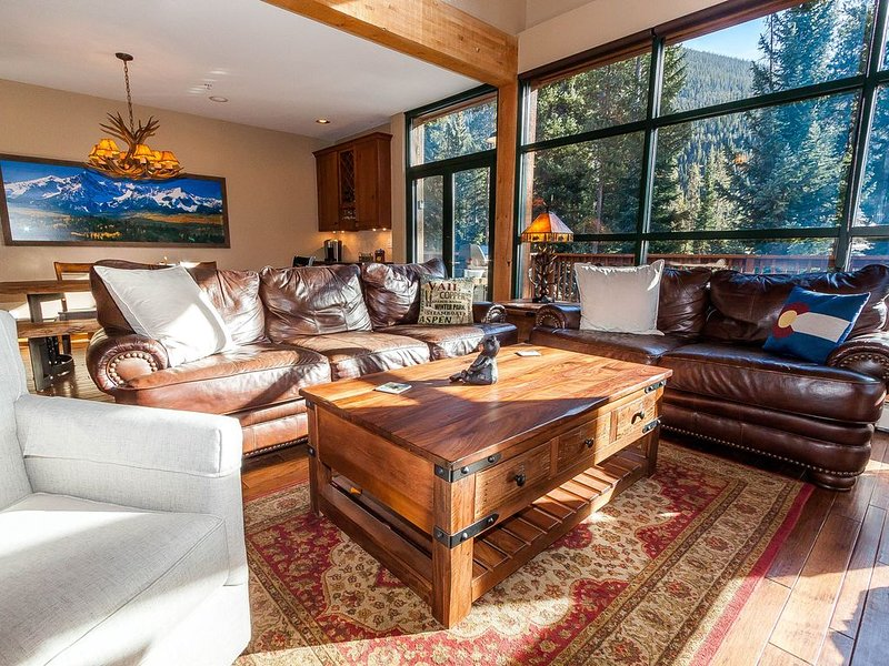Master Suite w/King Bed, Updated Kitchen, Private Laundry & Garage, Free WIFI, vacation rental in Dillon