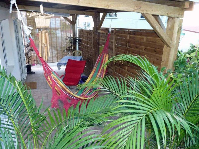 Détente, Farniente, Evasion, c'est ici! un cadre calme et dépaysant avec jardin, holiday rental in Vieux-Fort